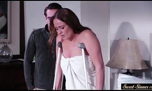 Pussyfucked stepmom makes hard cock pilfer