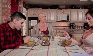 Fast Style Sex Tape With Big Jugss Hot Mommy (Ariella Ferrera) video-04