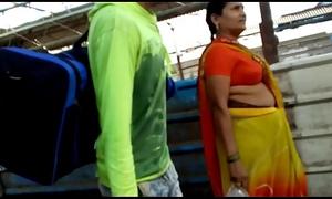 Bhojpuri Aunty BOOBS there Centre