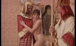 la mummia fa i bocchini e lo prende connected with culo e connected with fica da due cazzi giganti