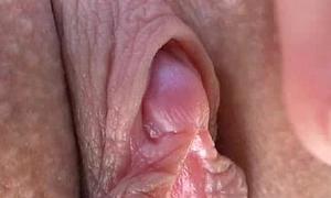 Acme quality earthy cleft closeups