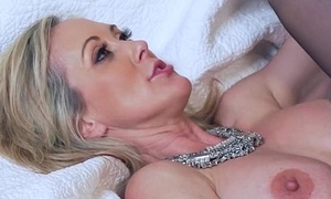 Mature Lassie (brandi love) Like Big Load of shit Coupled with Love Changeless Sex clip-11