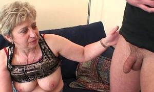 Unsightly granny toying vanguard replicate fuck