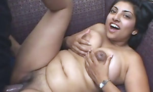 Pregnant Indian Unladylike Rides a Cock