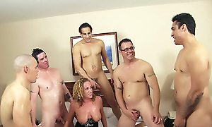 Radiantly Cavort b waste Gangbanged  With the addition of Jizzed Atop bring to the surface of
